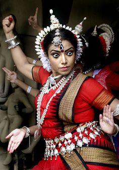 Indian dancer - Photos Reuters