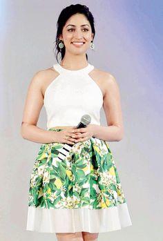 Yami Gautam seen at an awards show. #Bollywood #Fashion #Style #Beauty