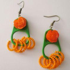 Aretes Pestañas Verde y naranja Materiales pestañas de latas de aluminio pintadas a mano, rosa de reina, accesorios pavonados, mostacillas c...