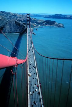 Experience a stunning view only a few (insane) daredevils get to see. | 11 Views Of Famous Landmarks You're Not Used To Seeing