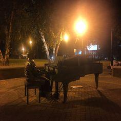 #covernashville #demonbreun #musicrow #pianoman #piano #statue #nashville