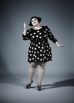 Beth Ditto needs to go into fashion design, amirite? I can't wait for her . Beth Ditto needs Beth Ditto, Daily Fashion, Girl Fashion, Fashion Outfits, Fashion Design, Mac Collection, Neutral Outfit, Waiting For Her, Voluptuous Women