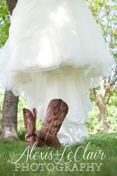 Country wedding, cowgirl boots, pink boots, wedding dress with boots, wedding photography, www.alexisleclairphotography.com