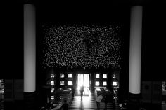 Flickering 3D Screen Made of 2880 LED Lights