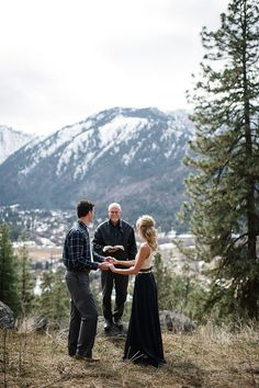 This pair who took to the mountains: | 32 Incredibly Beautiful Elopements You Have To See