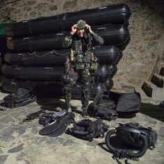Diver from the 2e REG (Régiment Étranger de Génie) - belonging to the French Foreign Legion