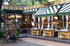 Una ruta gastronómica por la capital para disfrutar de un otoño muy  gourmet Best Hotels In Madrid, Madrid Restaurants, Bar Madrid, Places To Travel, Places To Visit, Madrid Travel, Secret Places, Exterior, Spain Travel