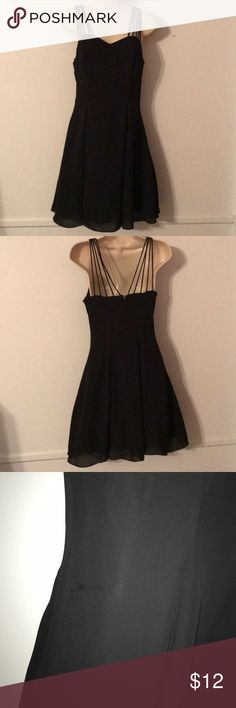 🔥 Buy 1 Get 2 Free! Semi Formal Black Dress Beautiful sweetheart neckline Lightweight but does have a layer of tool under the skirt which gives the dress more volume and shape   Slight stain on front of dress, see third picture only noticeable when up close and could only get it to show up in the picture with the flash on. Jump Dresses