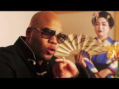 Guarda Flo Rida nel video per Zillionaire e scopri i dettagli. Rapper, Flo Rida, Music Mix, Kinds Of Music, My Favorite Music, Hard Rock, Music Videos, Youtube, Mens Sunglasses