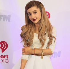 Ariana Grande ; her hair is gorgeous down