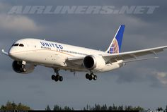 United Airlines N20904 Boeing 787-822 Dreamliner aircraft picture