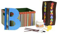 ¡Nuevo Pegamento Glossy! Ideal para madera, papel, unicel, etc. De venta en Fantasías Miguel / Letra de madera y cajas forradas con Scrapbook