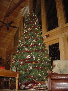 Christmas Tree | Log Cabin | Comfy Cabin | Log Home
