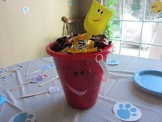 Blue's Clues party, activities and decorations.