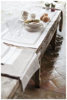 blanc mariclo linen table table cloth in a country chic table setting