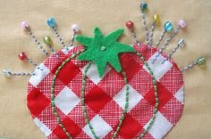 "Red Gingham Check Tomato Pin Cushion Applique ""Sew she did"" by Lori Holt - adorable Applique Patterns, Applique Quilts, Embroidery Applique, Quilt Patterns, Sewing Patterns, Quilting Projects, Sewing Projects, Sewing Ideas, Fabric Crafts"