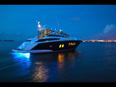 New 2012 Regal Boats 52SportCoupe Motor Yacht Photos- iboats.com 1