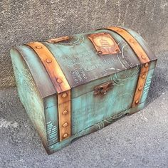 Discover thousands of images about Hand Decorated Shabby chic Jewelry Trinkets Box by JoliefleurDeco Decoupage Art, Decoupage Vintage, Old Trunks, Vintage Suitcases, Altered Boxes, Painted Boxes, Treasure Boxes, Paint Furniture, Casket