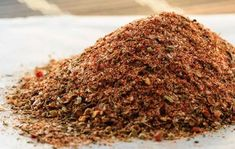 Quick and easy homemade cajun seasoning that you probably have all the ingredients for already! You& never need to buy pre-made cajun seasoning again! Cajun Seasoning Recipe, Homemade Ranch Seasoning, Seasoning Mixes, Dry Rub Recipes, Spicy Recipes, Copycat Recipes, Vegetarian Recipes, Homemade Spices, Homemade Seasonings