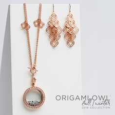 Rose gold is HOT and is a fall must-have for just about any outfit. This Convertible Quatrefoil Necklace & earrings! 😍 Origami Owl 2018 Fall collection #necklaces #earrings