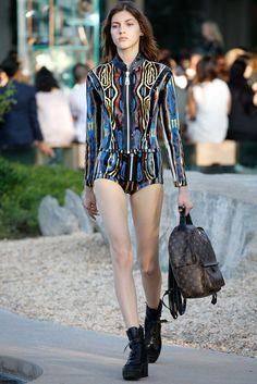 Louis Vuitton Resort 2016 Fashion Show - Rianne van Rompaey