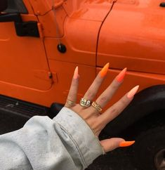 Make an original manicure for Valentine's Day - My Nails Aycrlic Nails, Feet Nails, Dope Nails, Hair And Nails, Summer Acrylic Nails, Cute Acrylic Nails, Acrylic Nails Orange, Neon Orange Nails, Summer Nails