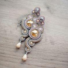 Fancy Earrings, Jewelry Design Earrings, Bead Earrings, Fashion Earrings, Soutache Pendant, Soutache Necklace, Ribbon Jewelry, Indian Jewellery Design, Beaded Embroidery