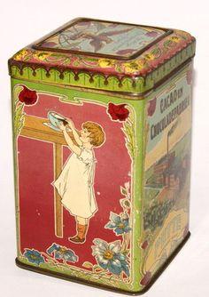 Vintage Dutch cacao tin