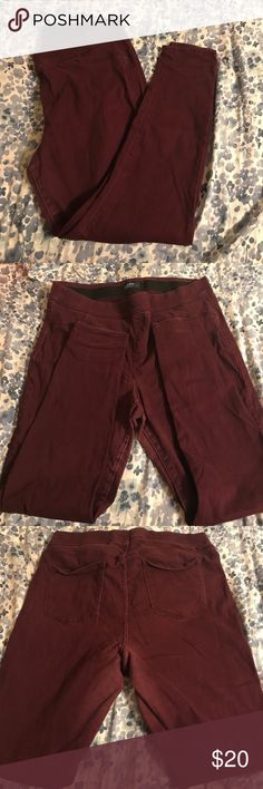 Mid rise jeggings Burgundy color. Super soft. I little worn shown in the picture. Old navy rockstar fit Old Navy Jeans Skinny