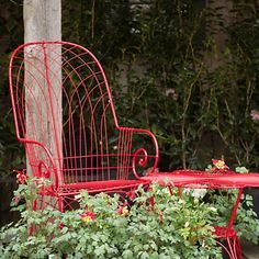 Terrain Archway Arm Chair--love with a big pillow Red Cottage, Cottage In The Woods, Cute Themes, Color Themes, Colors, Yard Furniture, Outdoor Furniture, Shed Signs, Big Pillows
