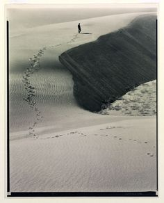 Laura Gilpin, 1931, Footprints in the Sand