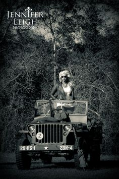 Vintage jeep with pin up girl