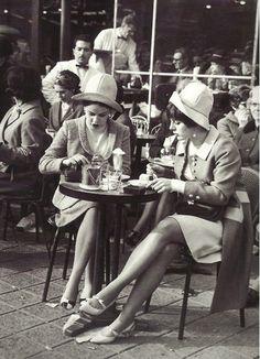 [New] The 10 Best Recipe Ideas Today (with Pictures) - Scènes de Paris Two ladies at a café on the Champs-Elysees photographer unknown Paris 3, Old Paris, Paris Cafe, I Love Paris, Paris Street, Vintage Paris, Retro Vintage, Vintage Cafe, 1920s