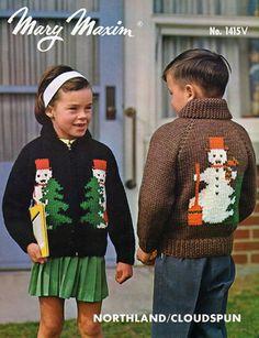 Knit this snowman pattern using Mary Maxim Titan yarn. Christmas Cardigan, Christmas Knitting, Christmas Sweaters, Hoodie Pattern, Cardigan Pattern, Sweater Patterns, Childrens Christmas, Vintage Knitting, Crochet For Kids