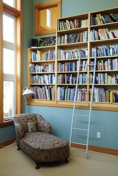 Love these built in shelves, and the wall color is nice, too. Oh, and that fainting couch!