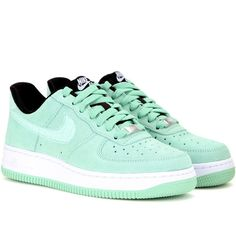 Nike Nike Air Force 1 '07 Seasonal Suede Sneakers (1.545.640 IDR) ❤ liked on Polyvore featuring shoes, sneakers, green, nike, trainers, suede leather shoes, nike sneakers, green shoes, green sneakers and nike shoes