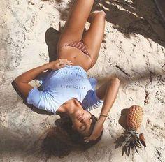 How to Take Good Beach Photos Beach Photography Poses, Summer Photography, Scenic Photography, Fitness Photography, Aerial Photography, Landscape Photography, Bikini Modells, Bikini Girls, Bikini Beach