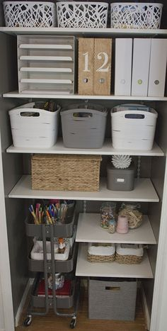 IKEA Raskog Cart for closet storage Small Space Office, Home Office Space, Home Office Design, Home Office Decor, Home Decor, Office Designs, Apartment Office, Small Office Decor, Office Decorations