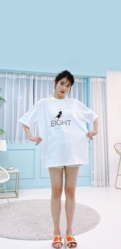 Kpop Entertainment, Cute Poses, Pretty Wallpapers, Little Sisters, Shirt Dress, T Shirt, Korea, Style Inspiration, Entertaining