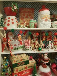 Xmas 2018 Source by fashion christmas Christmas Booth, Christmas Dishes, Old Christmas, Old Fashioned Christmas, Merry Little Christmas, Christmas Holidays, Christmas Ideas, Christmas Figurines, Christmas Kitchen