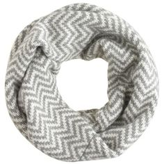 J.Crew Chevron infinity scarf (270 BRL) ❤ liked on Polyvore featuring accessories, scarves, chevron circle scarf, tube scarves, round scarf, shawl and chevron scarves