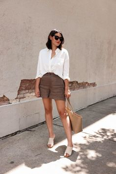 Kendi Everyday shares her best kept secret on transitioning from Summer to Fall with these linen shorts. Nordstrom Sale, Linen Shorts, Beautiful Blouses, Autumn Summer, Fall, Summer Shorts, Silk Top, Me Too Shoes, Denim Skirt