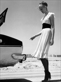 desert | trunk | elegant | fashion editorail | stilettos | vintage