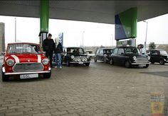 Mornin Miniacs We get the FILL UP FRIDAY pumps ticking over with a superb Forecourt Full of Minis! Have a great day folks