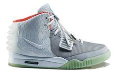 best website 4623f ce0c5 Nike Air Yeezy 2 Wolf Grey Sneaker Cake http   www.sneakermother.