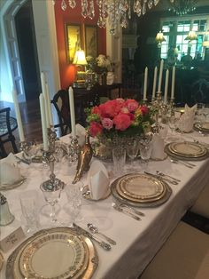 Our version of a Downton Abbey table. Dinning Room Sets, Dinning Table, Dining Room Design, Outdoor Table Settings, Elegant Table Settings, Christmas Table Decorations, Decoration Table, Classy Living Room, Dining Etiquette