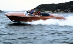 Love wooden power boats. this a chris-craft?