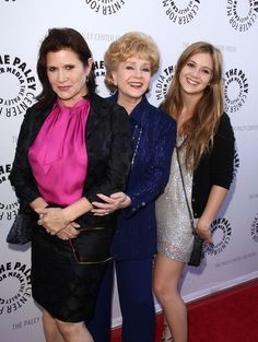 Carrie Fisher and Debbie Reynolds. Carrie Fisher passed away Debbie Reynolds passed away today, They both were great people who will be greatly missed. Debbie Reynolds Carrie Fisher, Carrie Frances Fisher, Carrie Fisher Billie Lourd, Carrie Fisher Daughter, Star Trek, The Blues Brothers, Famous Faces, American Actress, Role Models
