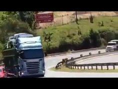 Caminhão Cegonheiro Quase Provoca Um Acidente Na BR Carregado De Carros