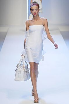 Valentino Spring 2007 Ready-to-Wear Collection Photos - Vogue